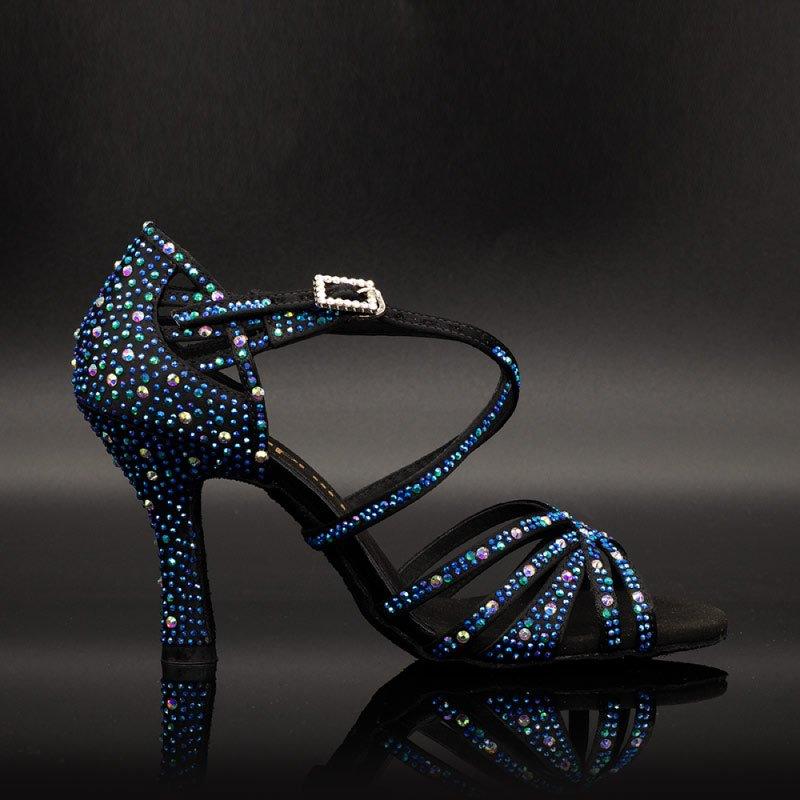 dansschoenen-salsa-schoenen-dames-salsaschoenen-dames- salsaschoenen-salsafever-enschede-salsa-schoenen-kopen-latin-dansschoenen-dansschoenen-salsa-blauw-met-diamand-dansschoenen-zwart-achtergrond